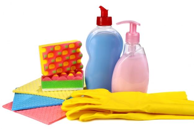 Objetos para lavar e limpar em uma cozinha