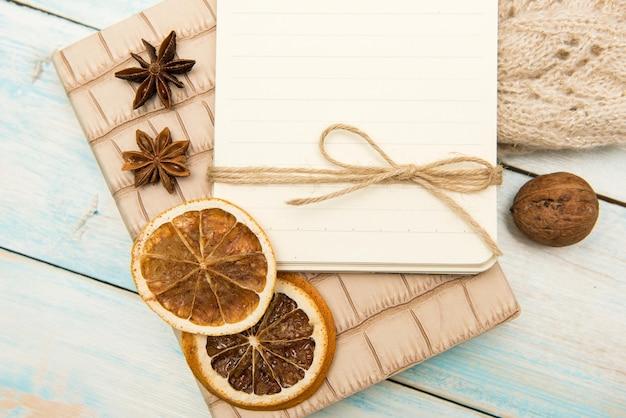 Objetos um caderno em turquesa