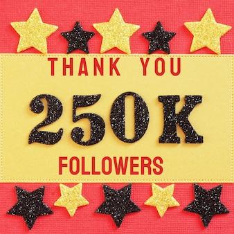 Obrigado 250k, 250000 seguidores. mensagem com números brilhantes pretos em vermelho e dourado