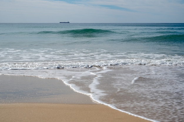 Oceano calmo na sunshine coast de queensland, austrália