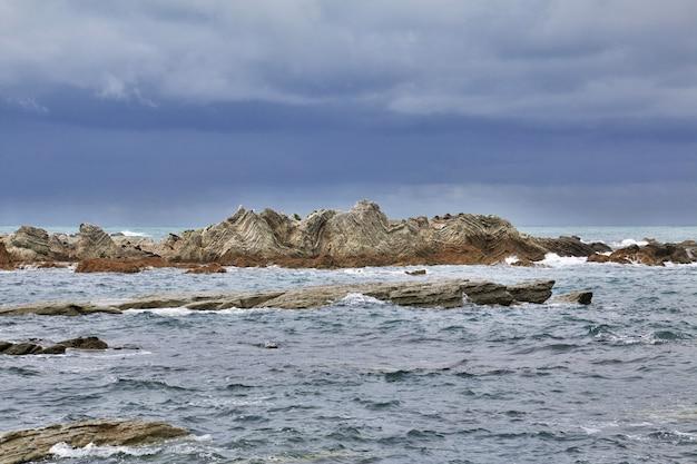 Oceano pacífico em kaikoura, nova zelândia