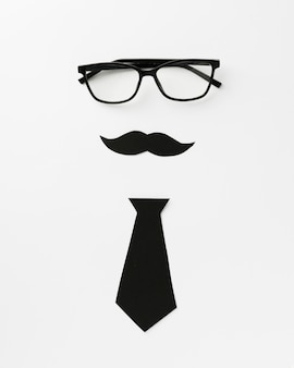 Óculos com bigode e gravata