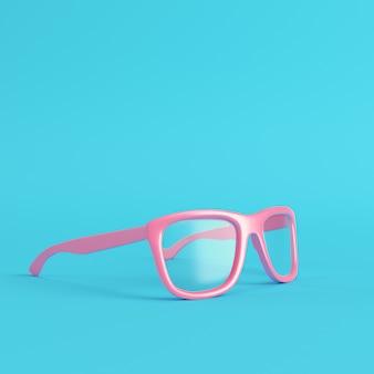 Óculos com lentes transparentes sobre fundo azul