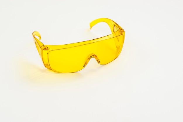 Óculos de proteção em close-up para trabalhadores da construção civil