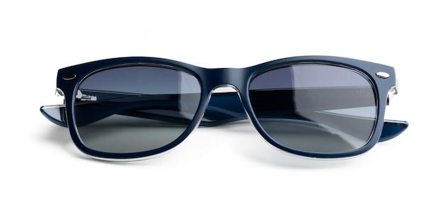 Óculos de sol escuros unisex isolados no fundo branco