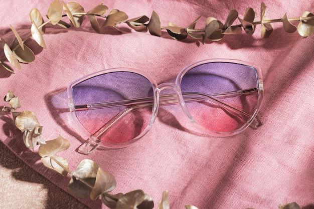 Óculos de sol gradiente com moldura transparente em tecido de algodão rosa