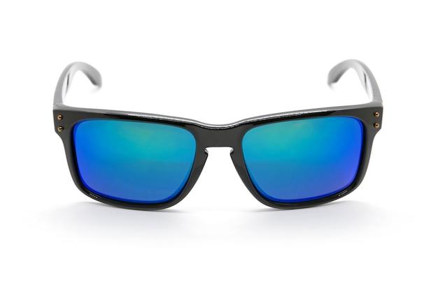Óculos de sol na moda modernos isolados, óculos