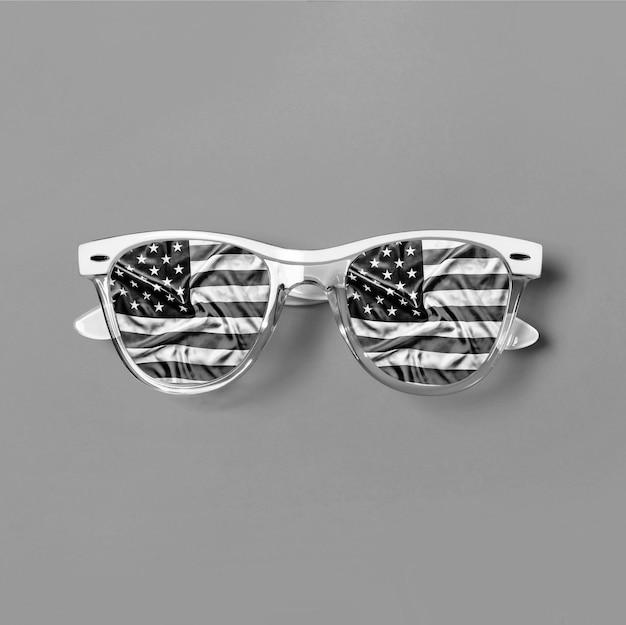 Óculos hipster com transparência da bandeira americana