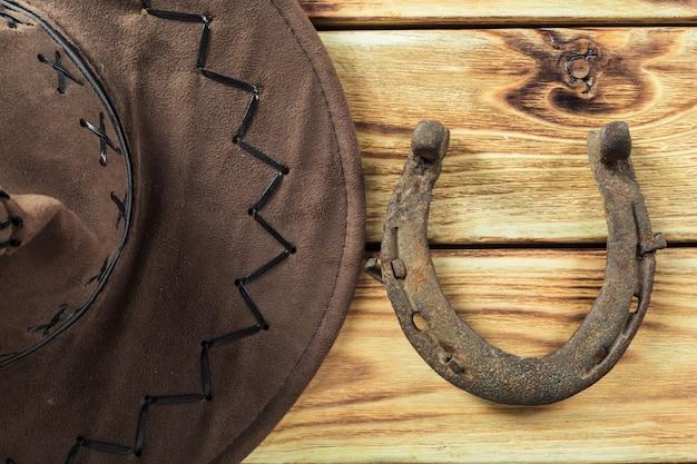 Oeste americano ainda vida com ferradura velha