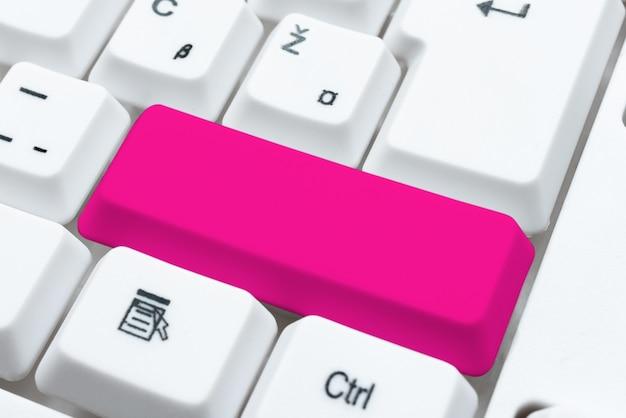 Oferecendo dicas de aulas de velocidade de digitação, aprimorando o conceito de precisão do teclado, pesquisando novas alternativas de programa, coleta de informações, pesquisando ideias, ferramenta acadêmica moderna