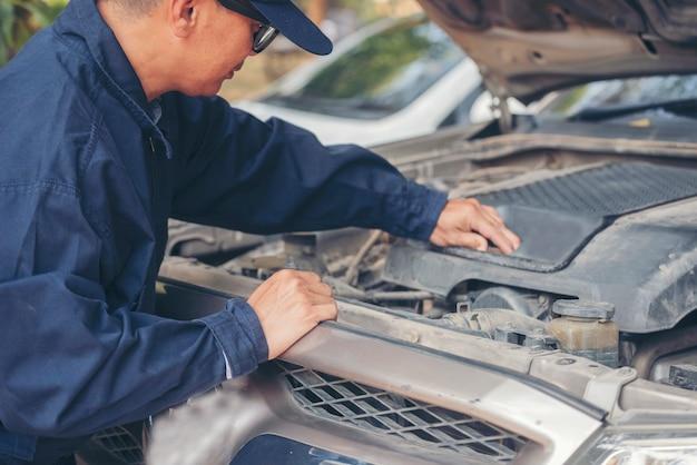 Oficina técnica, conserto de motor, veículos motorizados, serviço de engenharia mecânica
