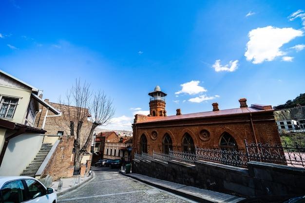 Old tbilisi e cidade no centro na primavera