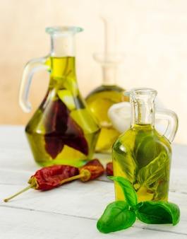 Óleo aromatizado com ervas e especiarias