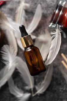 Óleo de colágeno em um recipiente de vidro. suplemento de beleza natural e saúde para pele, ossos, articulações e intestinos
