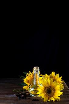 Óleo de girassol em copo de garrafa