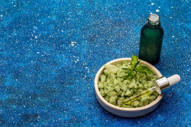Óleo essencial de chá verde orgânico natural e sal marinho