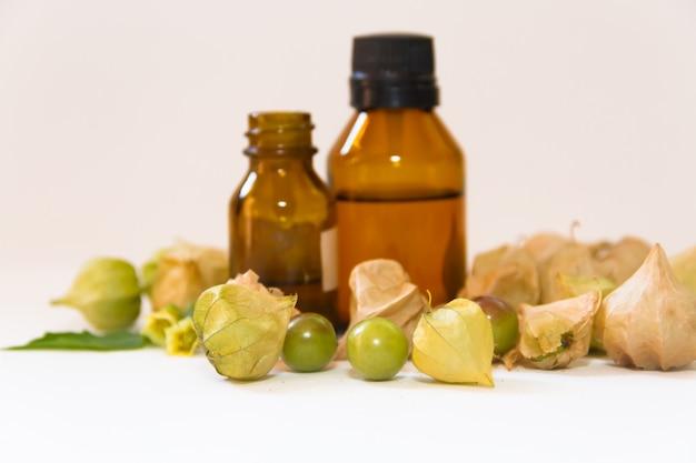 Óleos e essências da planta medicinal chamada lanterna chinesa
