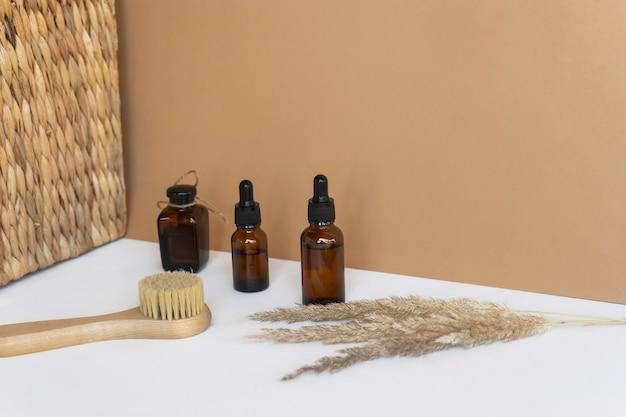 Óleos essenciais naturais, soro em frascos conta-gotas. cosméticos naturais sem marca