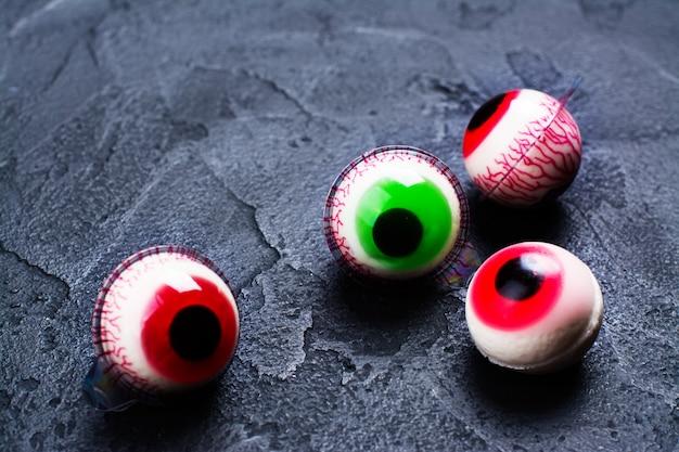 Olhos de geléia no escuro