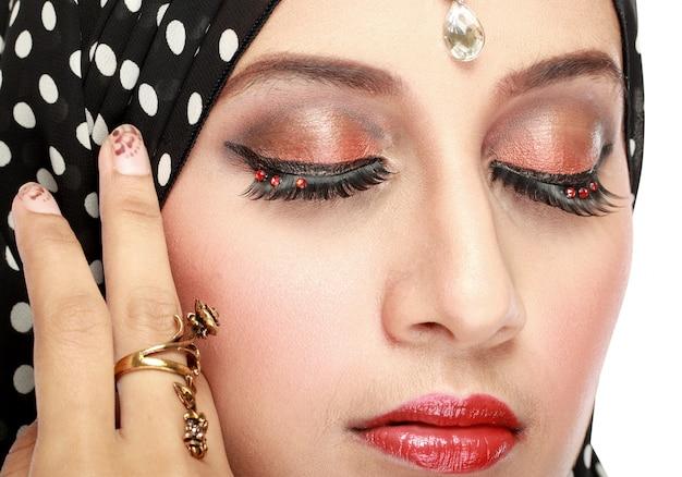 Olhos de mulher bonita com maquiagem