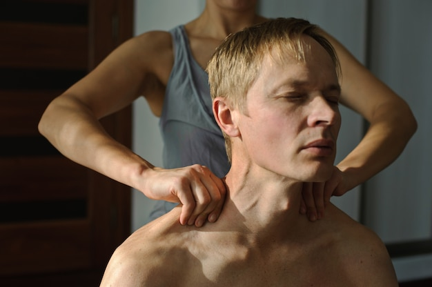 Ombros massagens