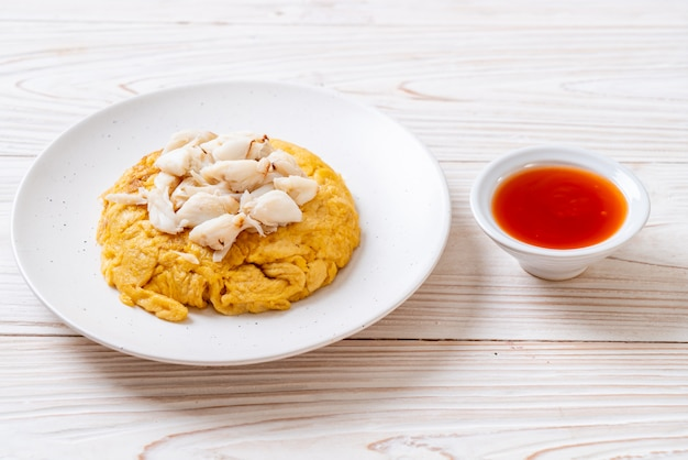 Omelete com carne de caranguejo