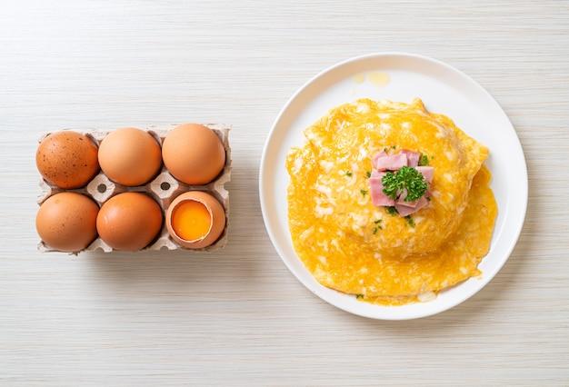Omelete cremoso com presunto com arroz