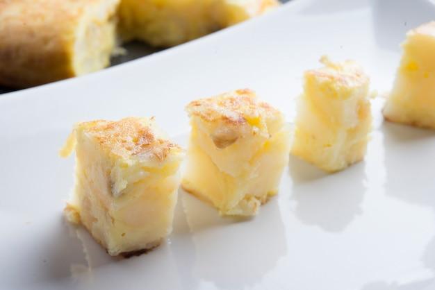 Omelete de batata (típico espanhol)
