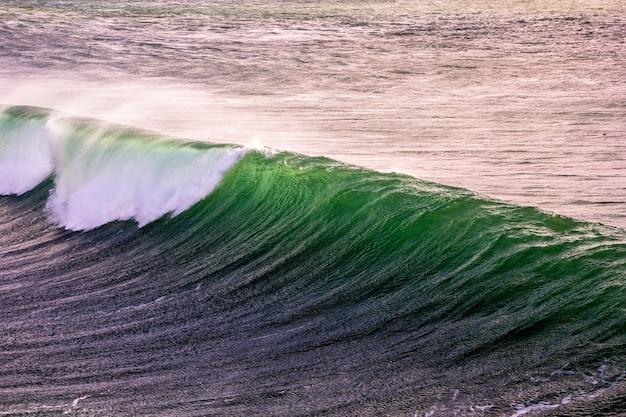Ondas de barril no mar