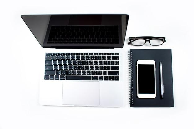 Opinião de tampo da mesa do equipamento do negócio. conceito preto e branco.