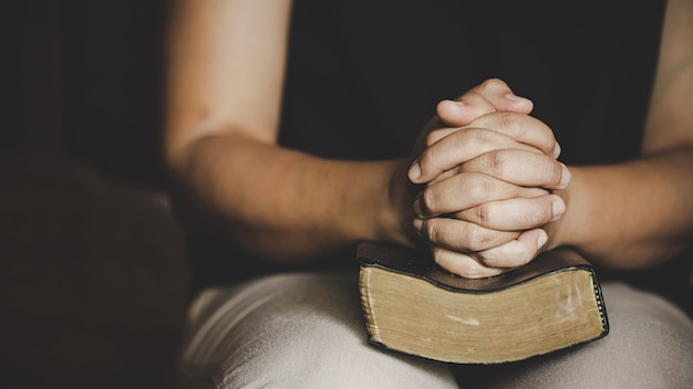 Oração da crise da vida cristã a deus.