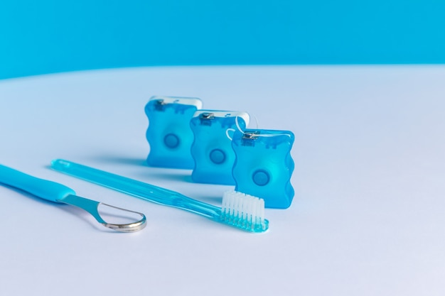 Oral care supplies escovas de dentes com fio dental raspador de língua