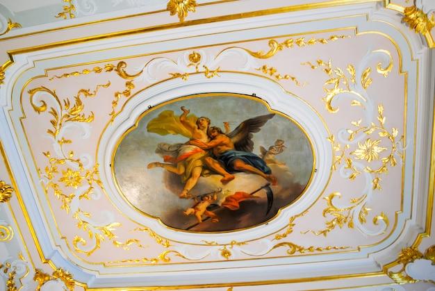 Oranienbaum lomonosov recebeu visitantes após a restauração de muitas anexos.