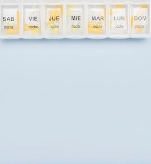Organizador de pílulas com espaço de cópia