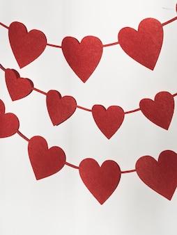 Ornamento de formas de coração de alto ângulo
