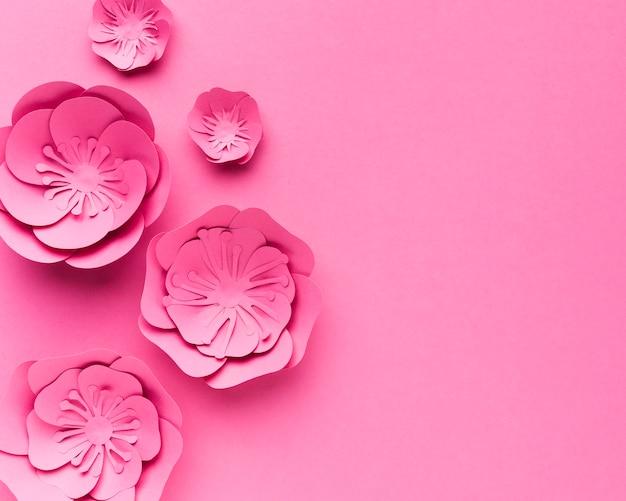 Ornamento de papel floral cópia-espaço em cor pastel