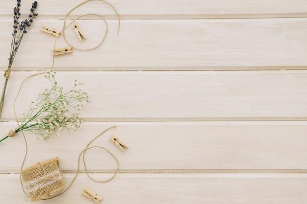 Ornamentos de casamento e espaço para cópia