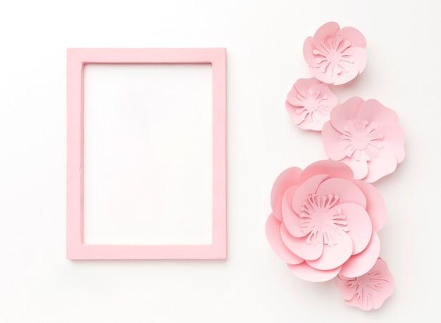 Ornamentos e moldura rosa