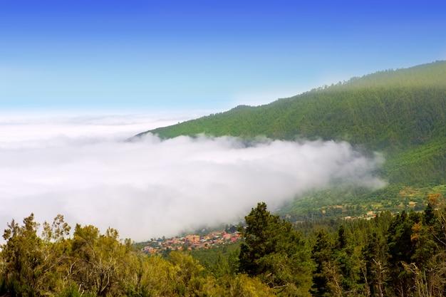 Orotava vale com mar de nuvens na montanha de tenerife