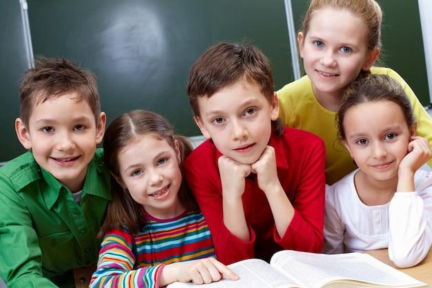 Os alunos da aula de leitura