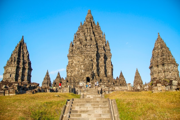 Os belos templos prambananos. indonésia