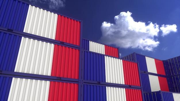 Os contêineres de bandeira da frança estão localizados no terminal de contêineres. conceito de exportação ou importação de frança, renderização em 3d.