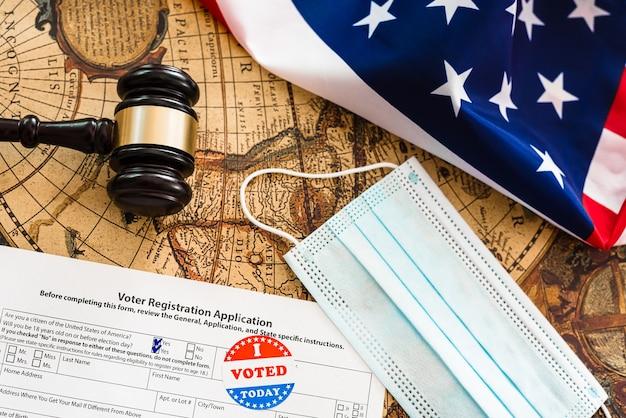 Os eleitores americanos que residem no exterior devem se registrar para votar.
