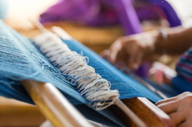 Os produtos de algodão dos aldeões no norte da tailândia.