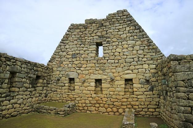 Os restos da arquitetura inca na cidadela de machu picchu