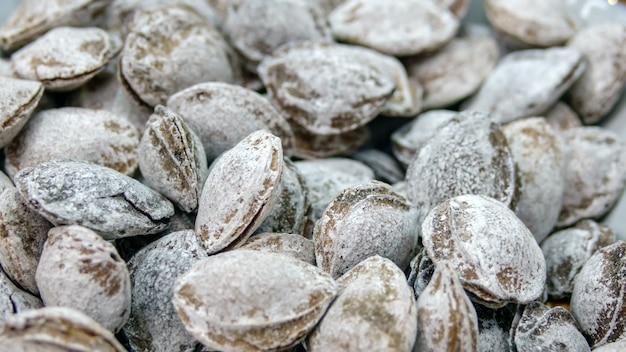 Ossos de damasco em açúcar