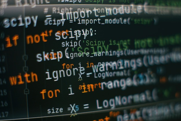 Otimização de seo. tecnologia moderna. sintaxe do php em destaque. escrevendo funções de programação no laptop. tendência de big data e internet das coisas.