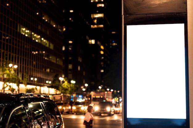 Outdoor de mock-up no post de calçada