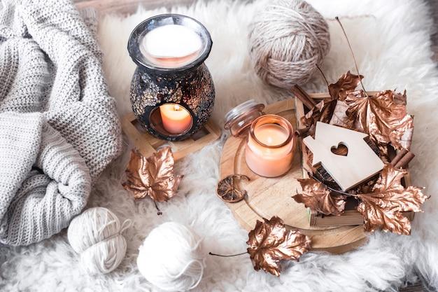 Outono e inverno aconchegante vida doméstica confortável.