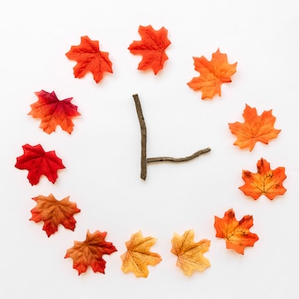 Outono maple folhas relógios